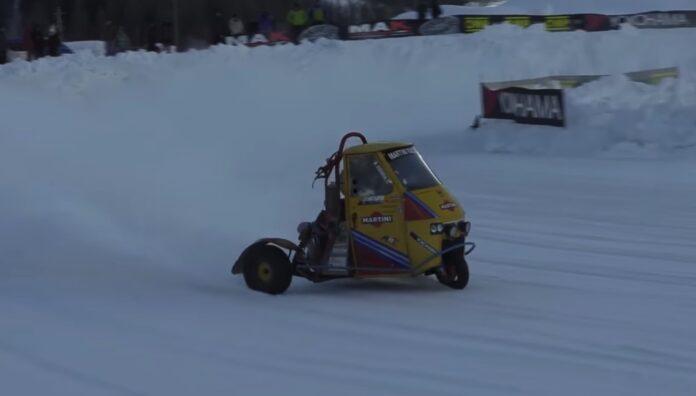 Trehjulet buggy på sne