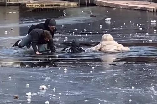 Gå ikke ud på isen