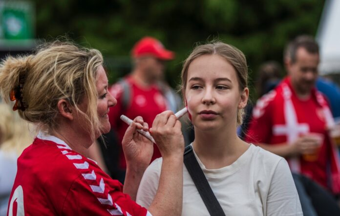 Fantastiske Fodboldfester skal bringe danskerne sammen