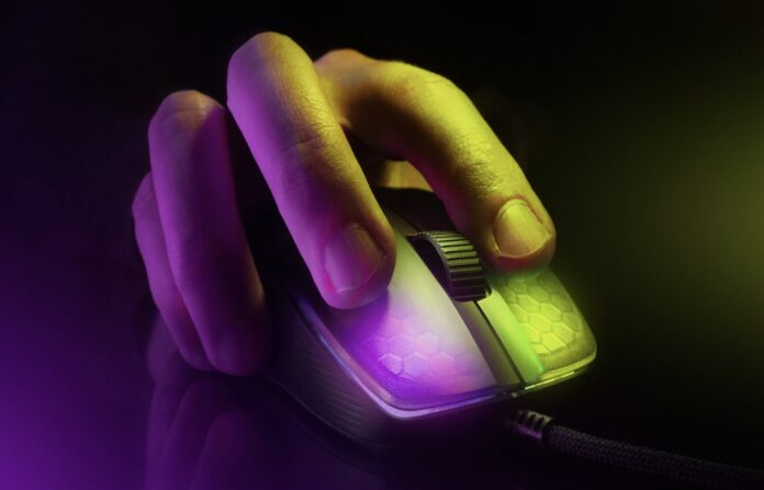 Roccat Kone Pro gaming mus