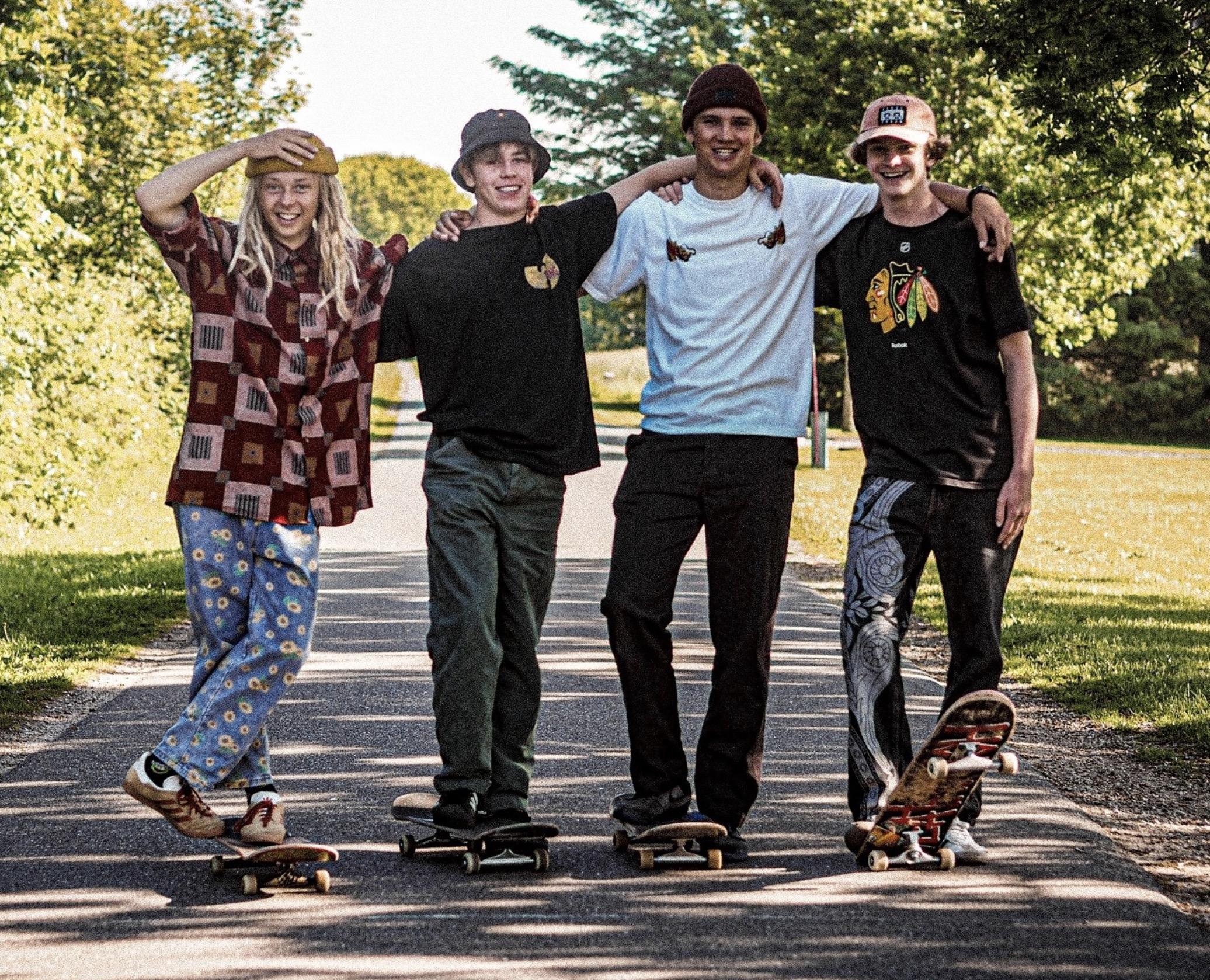 Fire teenagere skater fra Aalborg til Amager til fordel for Julemærkehjemmene