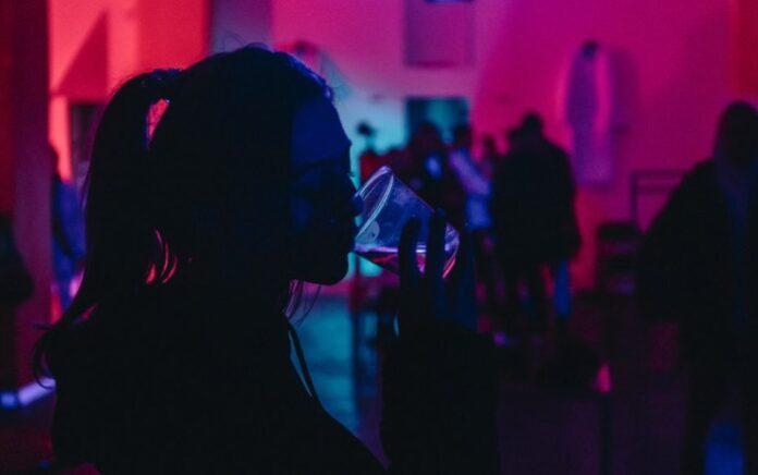 Et flertal af unge føler sig presset til at drikke alkohol