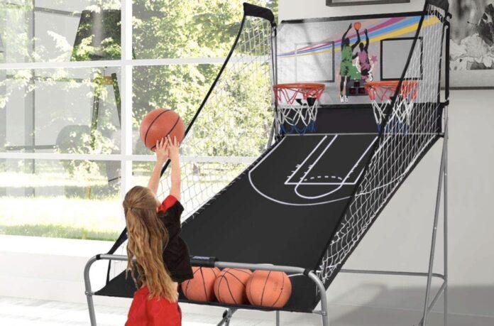 Basketspil med fire bolde